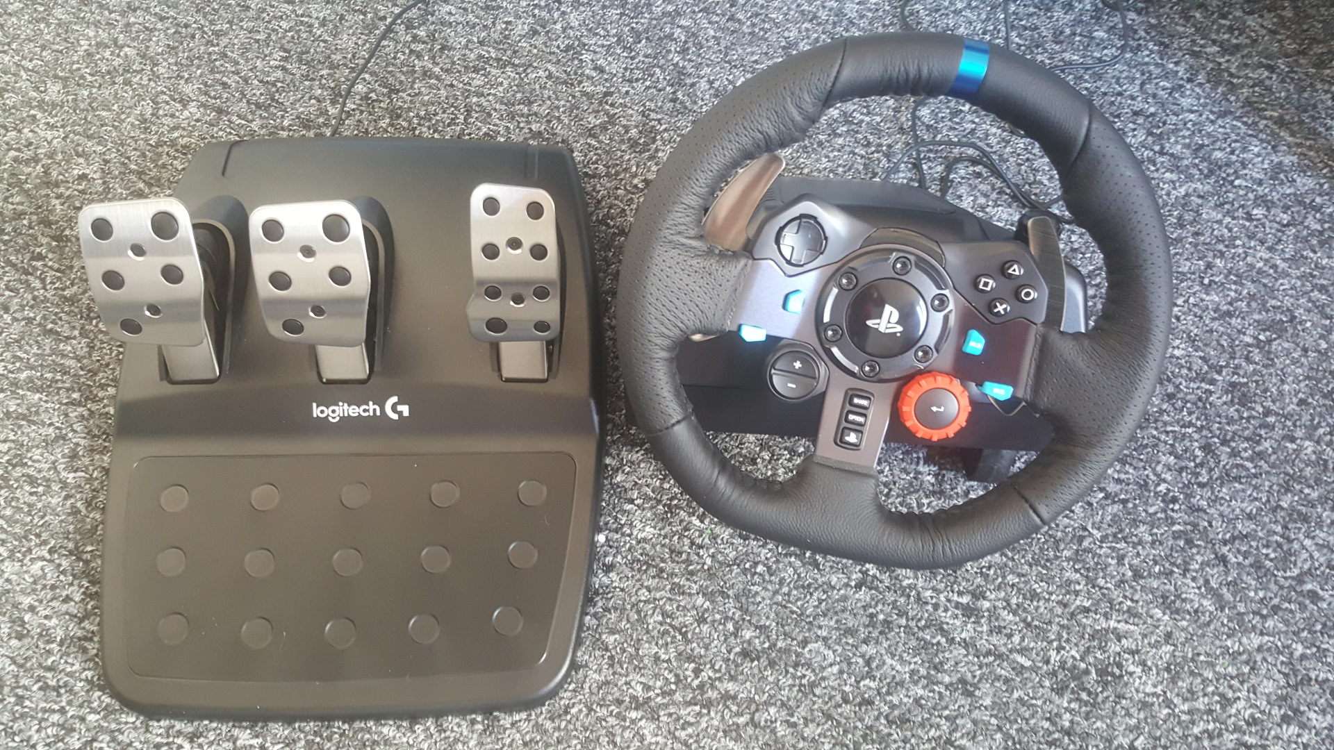 Some initial thoughts on the Logitech Driving Force G29 Steering